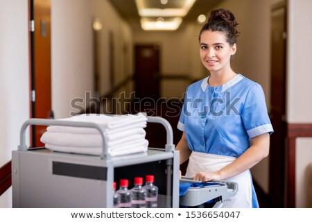 portré · női · nővér · áll · folyosó · keresztbe · tett · kar - stock fotó © pressmaster