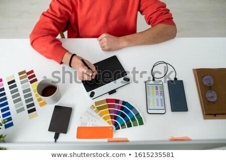 Eller genç erkek web tasarımcı pikap iğnesi Stok fotoğraf © pressmaster