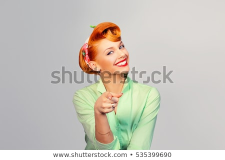 Stok fotoğraf: Gülen · genç · kadın · işaret · yukarı · bakıyor · yalıtılmış