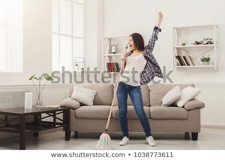 risonho · mulher · cantando · dança · atraente · mulher · jovem - foto stock © fantasticrabbit