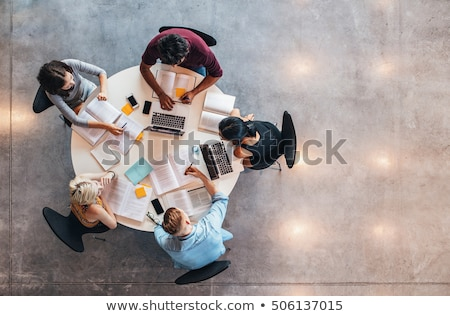 groep · studenten · vergadering · buiten · meisje - stockfoto © deandrobot