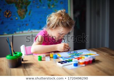 Kind penseel top gelukkig meisje vergadering Stockfoto © iko