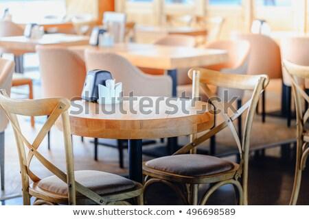 Stockfoto: Tijdgenoot · trottoir · cafe · houten · stoelen