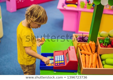 Jongen kassa financiële geletterdheid kinderen computer Stockfoto © galitskaya