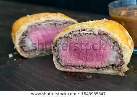 Porción carne de vacuno Wellington blanco placa sección transversal Foto stock © Alex9500
