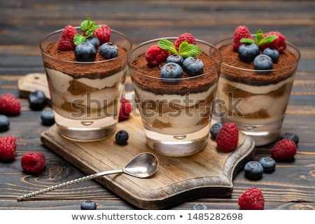 Baies tiramisu fruits sweet framboise Berry Photo stock © M-studio
