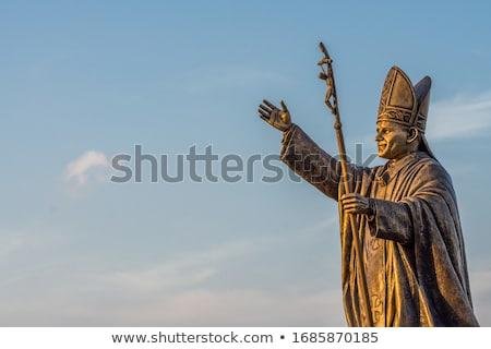 Szobor pápa égbolt kéz művészet templom Stock fotó © jarin13