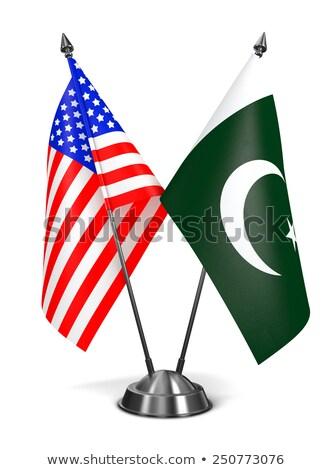 USA Pakistan miniatuur vlaggen geïsoleerd witte Stockfoto © tashatuvango
