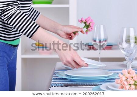 meisje · schommelstoel · veranda · kaukasisch · vergadering · glimlachend - stockfoto © is2