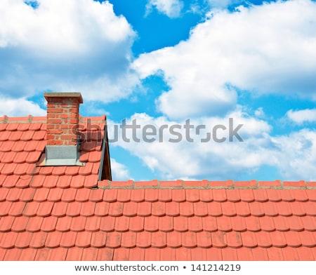 eski · çatı · çatı · katı · pencereler · Bina - stok fotoğraf © 5xinc