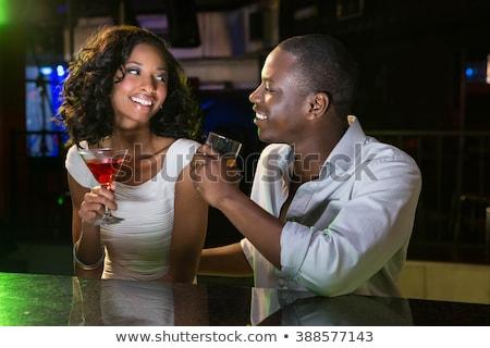 Hombre vidrio whisky bar contra restaurante Foto stock © wavebreak_media