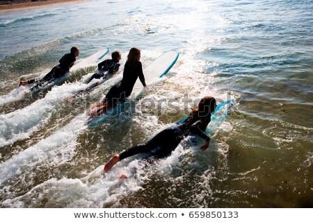 Négy személy szörfdeszkák energia Európa szörfös barátság Stock fotó © IS2