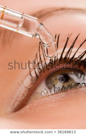 Liquide ouvrir oeil médicaux chute Photo stock © galitskaya