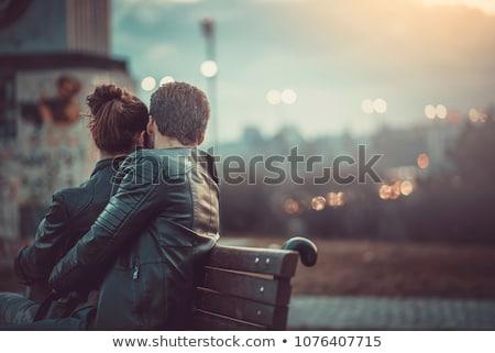 Słodkie pary dating plaży atrakcyjny młody człowiek Zdjęcia stock © vichie81