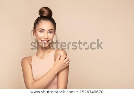Сток-фото: портрет · красивой · брюнетка · девушки · позируют · выстрел