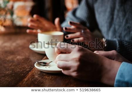 Foto d'archivio: Tazza · di · caffè · tavola · cafe · ragazza · telefono · caffè