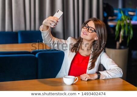 ストックフォト: 幸せ · 女性実業家 · 写真 · スマートフォン · 着用
