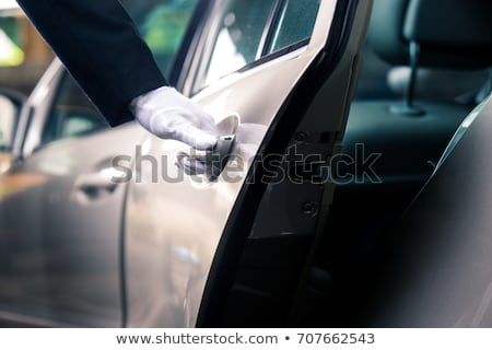 Mano apertura auto porta grigio strada Foto d'archivio © AndreyPopov