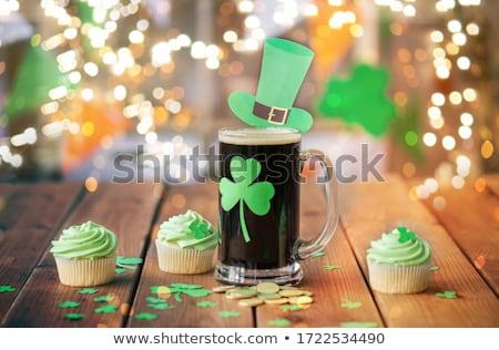 Shamrock üveg sör zöld minitorta érmék Stock fotó © dolgachov