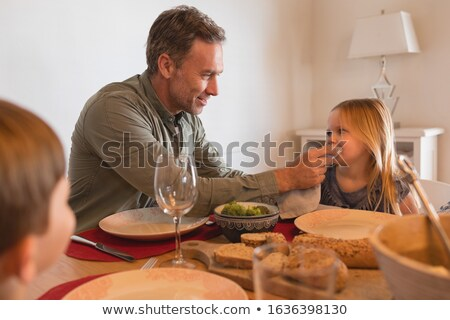 Vader mond servet eettafel home voedsel Stockfoto © wavebreak_media