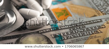 Drug geld drugs tonen hoog kosten Stockfoto © morrbyte