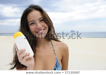 Femme plage souriant fille heureux Photo stock © mangostock