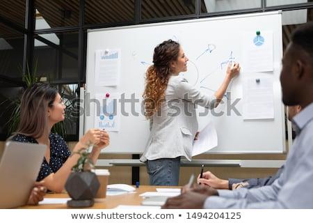 jonge · vrouw · tekening · mooie · kantoor · vrouwen - stockfoto © ra2studio