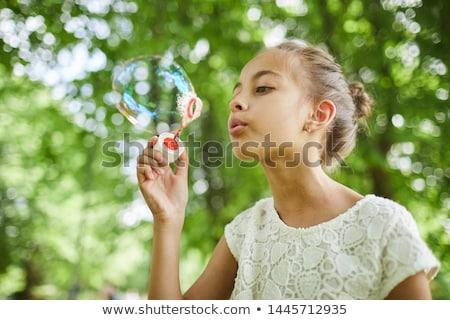 Aluna jogar bolha escolas recreio menina Foto stock © wavebreak_media