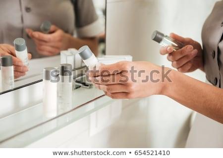 Giovani hotel cameriera bagno accessori bagno Foto d'archivio © deandrobot
