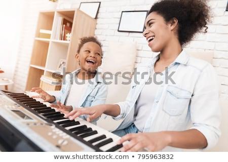 子 · 演奏 · ピアノ · グランドピアノ · ドレス - ストックフォト © wavebreak_media