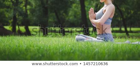 Foto stock: Jovem · ioga · parque · mulher