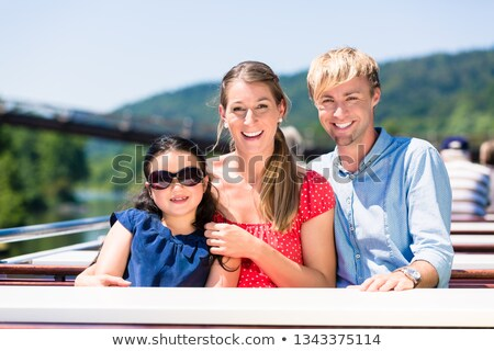 家族 座って 楽しく ボート 川 クルーズ ストックフォト © Kzenon