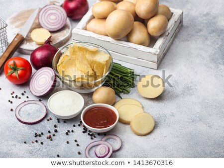 Taze organik ev yapımı patates cips cam Stok fotoğraf © DenisMArt