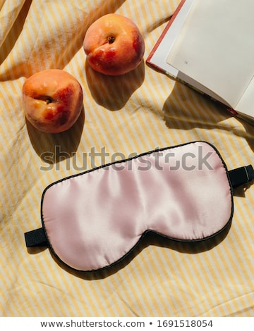 Mulher travesseiro olho adormecido máscara pessoas Foto stock © dolgachov