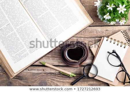 velho · livros · óculos · estilo · vintage · topo - foto stock © laks