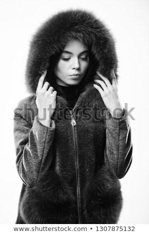 Mujer abrigo mullido nina sonrisa Foto stock © photography33