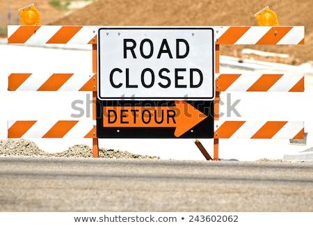 út zárva felirat utca építkezés nehézgépek Stock fotó © dbvirago