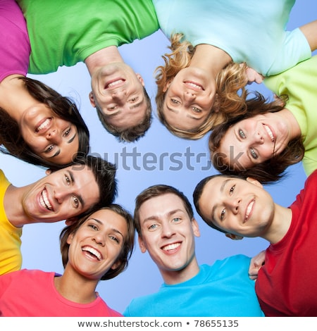 grup · çim · daire · eğlence · Avrupa · gülen - stok fotoğraf © get4net