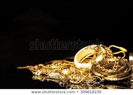 bijuterii · aur · rubin · colier · perla - imagine de stoc © zhekos