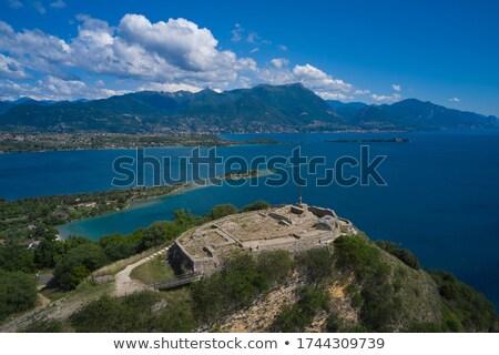 Görmek kaya garda gölü İtalya panoramik gökyüzü Stok fotoğraf © marco_rubino