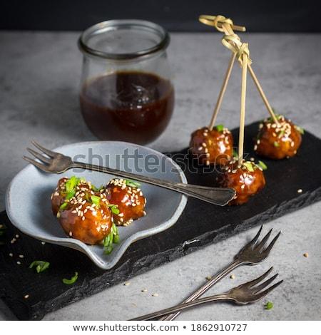 Előétel friss fenyőfa diók tyúk zöldség Stock fotó © Digifoodstock