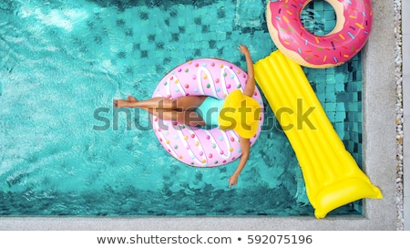 modelo · piscina · aire · libre · niña · feliz · blanco · traje · de · baño - foto stock © bezikus