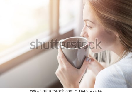 yatak · odası · genç · kadın · içmek · kahve · yatak · beyaz - stok fotoğraf © boggy