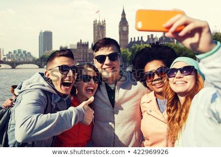 Amigos casas parlamento viajar turismo Foto stock © dolgachov