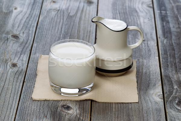 Completo vidro leite fresco madeira velha fresco leite Foto stock © tab62