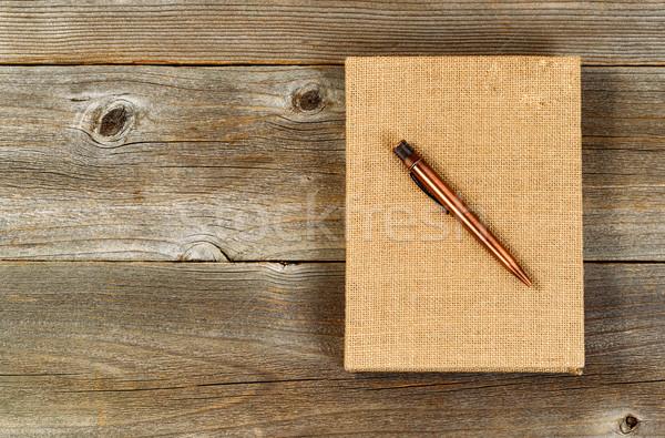 Klasszikus fém toll zsákvászon fedett jegyzettömb Stock fotó © tab62