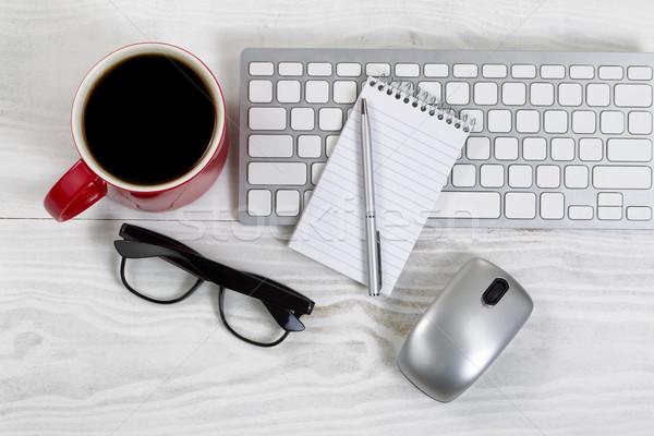 Çalışma alanı teknoloji kahve beyaz masaüstü kırmızı Stok fotoğraf © tab62