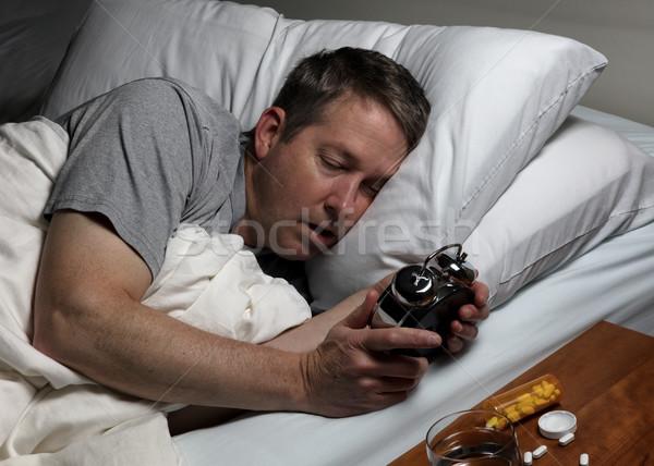 Dojrzały mężczyzna spadek patrząc czasu alarm Zdjęcia stock © tab62