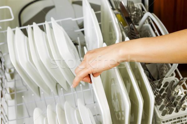 Dîner plaques baisser plat rack lave-vaisselle Photo stock © tab62