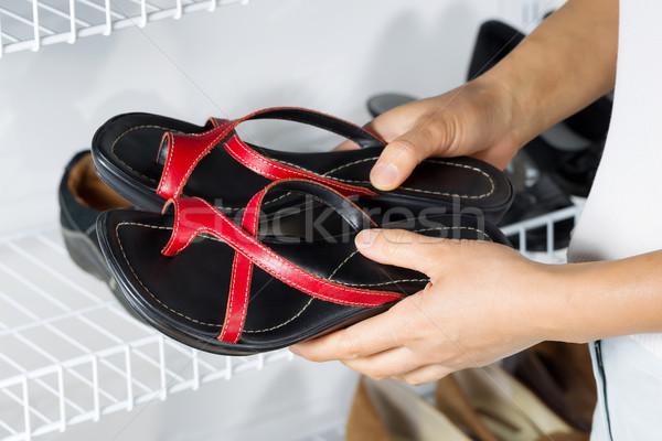 Chaussures rack mur horizontal image Photo stock © tab62